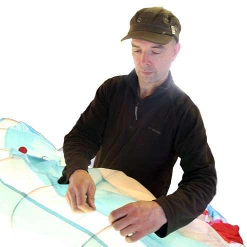 Paraglider service inspection